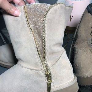 UGG Shoes | Ugg Boots With Gold Zipper Size 9 |